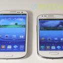 Beide Smartphones sind mit der neuesten Version der TouchWiz-Oberfläche ausgestattet. Allerdings fehlen auf dem S3 Mini (rechts) einige Dienste. (Bild: netzwelt)