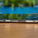 Einbuchtungen im Tablet nehmen die Tastatur entgegen. (Bild: netzwelt)