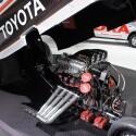 Neben vielen Studien und Konzept-Autos gibt es an vielen Stellen auch handfestes Rennmaterial zu bestaunen. Wie hier bei Toyota. (Bild: netzwelt)