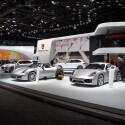Ganz in Silber: Blick auf den Porsche-Stand auf der NAIAS. Highlight der Stuttgarter war in diesem Jahr unter anderem der Cayenne Turbo S mit geschmeidigen 550 Pferdestärken. (Bild: netzwelt)