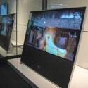 Auffällig die Lautsprecher-Einheit unterhalb des Displays. Die Abdeckung kann in Farbe und Material per Baukasten individualisiert werden. (Bild: netzwelt)