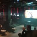 In einer Trance-Disco präsentierten Jason McDonald und Mark Simon das neue God of War. (Bild: netzwelt)