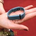 Der Aktivitäts-Tracker befindet sich in einem wasserfesten Armband. (Bild: netzwelt)