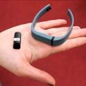 Der Tracker lässt sich auch in einem anderen Armband verbauen. (Bild: netzwelt)