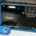 Die Kamera ist bis zu einer Tiefe von drei Metern 30 Minuten lang gegen eindringendes Wasser geschützt. (Bild: netzwelt)