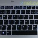 Die Hintergrundbeleuchtung der Tastatur ist nicht ganz gleichmäßig. Auch könnte der Druckpunkt exakter ausfallen. (Bild: netzwelt.de)
