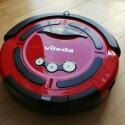 Mithilfe von Infrarotsensoren ertastet der Vileda-Roboter seinen Weg durch den Raum. (Bild: netzwelt)