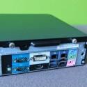 DVI-, HDMI-Anschluss, zwei USB 3.0- und zwei USB 2.0-Schnittstellen, zwei Gigabit LAN-Ports, zwei serielle RS232-Eingänge für ältere Displays, Audioein- und -ausgang, optischer Ausgang, Öffnung für Kensington-Lock und eine Vorrichtung für WLAN-Antennen auf der Rückseite. (Bild: netzwelt)
