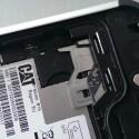 Der SIM-Karten-Einschub bereitete im Test Probleme. (Bild: netzwelt)