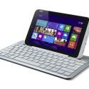Die optional erhältliche Tastatur verwandelt das Tablet in ein Notebook-Ersatz. Auf der Rückseite lässt sich das W3 zum Transport einklinken. (Bild: Acer)