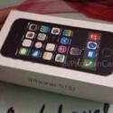 Dieses Bild zeigt angeblich die Verpackung des iPhone 5S ... (Bild: iPhone in Canada / Weibo)