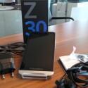 Neben dem BlackBerry Z30 befinden sich im Karton noch Datenkabel, Netzstecker, Kopfhörer und Kurzanleitung. (Bild: netzwelt)