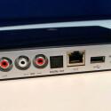 1 x Cinch-Eingang, 1 x Cinch-Ausgang, optischer Eingang, USB 2.0- und LAN-Port auf der Rückseite des Raumfeld Connector. (Bild: netzwelt)
