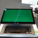 Das Acer Aspire R7 bereitet sich nun auf den Test vor ... (Bild: netzwelt)