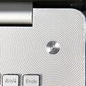 Nettes Detail ist der beleuchtete Einschaltknopf. Was aussieht wie Lautsprecherauslässe, ist in Wirklichkeit leider nur aufgedruckt. (Bild: netzwelt)