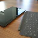 Sowohl das abgebildete Touch Cover 2 als auch das Type Cover 2 sind nun hintergrundbeleuchtet. (Bild: netzwelt)