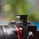Die Kompaktkamera verfügt über einen eingebauten Blitz. (Bild: netzwelt)