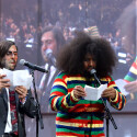 Moderationsduo Jason Schwartzman und Reggie Watts bei den YouTube Music Awards. (Bild: Jeff Kravitz / FilmMagic for YouTube)