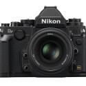 Vollformat und Retro-Design: Die Nikon DF verbindet moderne Technik und klassische Kamerabedienung. (Bild: Nikon)