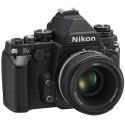 Im Inneren ist ein 16-Megapixel-CMOS-Sensor verbaut, der das Format einem 35mm-Kleinbildfilms besitzt. (Bild: Nikon)