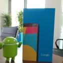Das Nexus 5 ist in der netzwelt-Redaktion angekommen. (Bild: netzwelt)