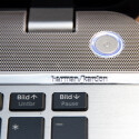 Nettes Detail: Der weiß illuminierte Einschaltknopf. (Bild: netzwelt)
