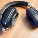 Zum Transport lässt sich der Kopfhörer einklappen. Aber für den täglichen Einsatz in Bus und Bahn ist der P7 streng genommen überdimensioniert. (Bild: netzwelt)
