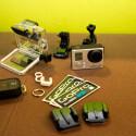 Daneben gibt es noch Aufsätze und Halterungen für die kleine Action-Cam. (Bild: netzwelt)
