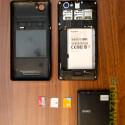 Nutzer haben dann Zugriff auf den Akku sowie die beiden Micro-SIM-Karten und den microSD-Kartenslot. (Bild: netzwelt)
