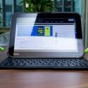 Zusammen mit der im Lieferumfang enthaltenen Tastatur mutiert das Toshiba eXcite Pro fast schon zum Mini-Notebook. (Bild: netzwelt)