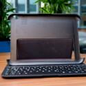 Die Tastaturhülle wird per Magnet arretiert. (Bild: netzwelt)