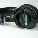Sony MDR-7506 – Metallschale und Form ergeben ein Retro-Design. (Bild: H.-J. Kruppa)