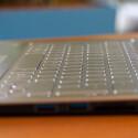 <b>Sony Vaio Fit 13A</b><br /> Die linke Gehäuse-Flanke bleibt nahezu anschlussfrei. (Bild: netzwelt)