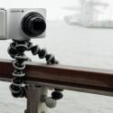 …sondern ist gerade auch unterwegs ein nicht zu verachtender Alleskönner, wenn es darum geht, der Kamera sicheren Halt zu verleihen. (Bild: netzwelt)