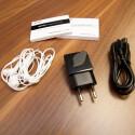 In der Packung liegen unter anderem Eine Kurzanleitung, ein Headset, Netzteil und Datenkabel. (Bild: netzwelt)