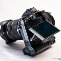 Die Systemkamera besitzt ein klappbares 3-Zoll-Display. (Bild: Marcel Ruhnau/System-Photography.com)