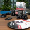 Neben einer gedruckten Anleitung und Garantiekarte befindet sich auch eine herstellereigene Software auf CD im Lieferumfang. (Bild: netzwelt)