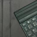 Die Tastatur-Einheit haftet per Magnet und lässt sich abnehmen. (Bild: netzwelt)