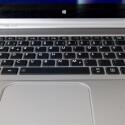 Die Tastatur ist beleuchtet, beim Tippen aber sehr laut. (Bild: netzwelt)