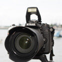 Der CMOS-Sensor der Nikon D7100 löst mit 24,2 Megapixeln auf. Das Mitteklassemodell wird von Nikon mit 50 Euro Cashback bedacht.