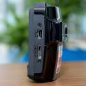 Neben einem USB-Anschluss ist auch ein HDMI-Ausgang verbaut. Damit können die Videos auf einem Fernseher direkt aus der Kamera wiedergegeben werden. (Bild: netzwelt)