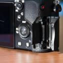 Als Speichermedium kommen SD-Karten oder Sonys Memory-Stick zum Einsatz. (Bild: netzwelt)
