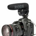 Auf DSLR-Kameras erscheint das Mikrofon gut angepasst. (Bild: Rode)