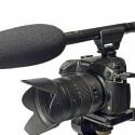 Auf kleineren Systemkameras wirkt das MKE 600 ziemlich überdimensioniert. Beim Handling stört das jedoch nicht. (Bild: H-J. Kruppa)