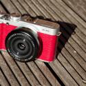 Im Zusammenspiel mit dem XF 27mm F2,8 Pancake-Objektiv erhalten Fotografen eine kompakte Kombination mit guter Bildqualität. (Bild: netzwelt)