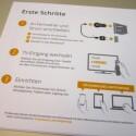 Erste Schritte zur Inbetriebnahme erläutert Google im Klappendeckel. (Bild: netzwelt)