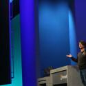 Windows 8.1 und Windows Phone 8.1 arbeiten künftig zu einem großen Teil mit denselben Programmierschnittstellen (API) und denselben Visual Studio-Bibliotheken. Die Entwicklung von Apps für beide Plattformen wird dadurch leichter. (Bild: Microsoft)