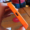 An der Unterseite bietet das Lumia 630 einen microUSB-Anschluss. (Bild: netzwelt)