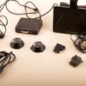 Wir konnten's nicht lassen: Der Inhalt des Oculus Rift-Koffers in all seiner Schönheit auf dem Schreibtisch ausgebreitet. (Bild: netzwelt)