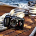 Robuste Outdoor-Kamera mit dezentem Design: die Olympus Tough TG-3. (Bild: Olympus)